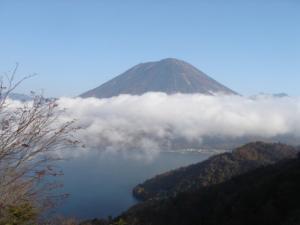 雲海+男体山