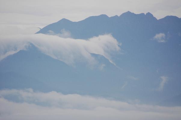 鋸岳と滝雲