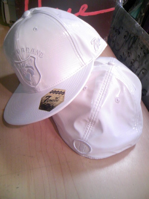 Nesta Lion Leather Cap 3-1z