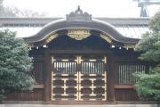 靖国神社不思議な玉03