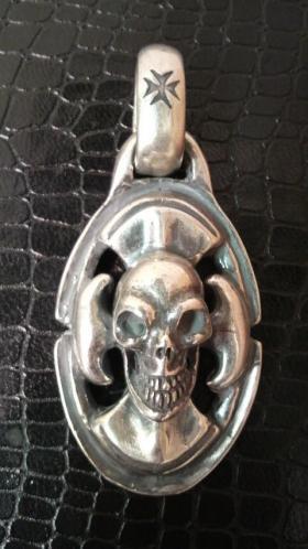 Skull_on_bx_ax-1.jpg