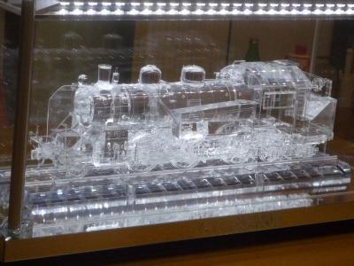 アクリル機関車 1
