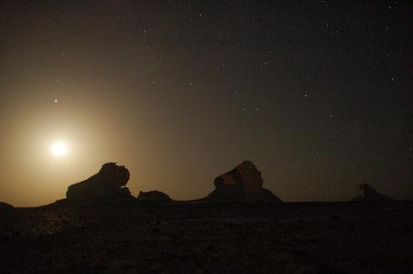 黒白砂漠04