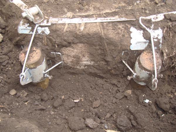 地下支柱取り付け状況