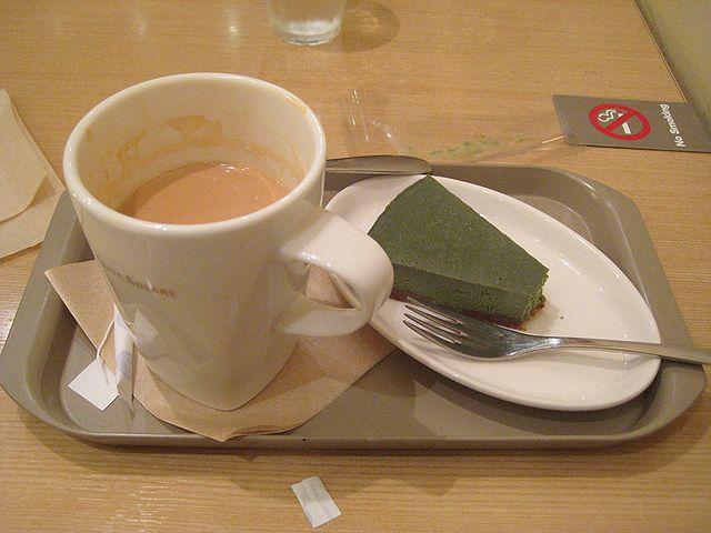 リナカフェ 抹茶チーズケーキとチャイ