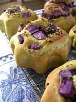 青汁パウダーと種子島紫のパンだよー