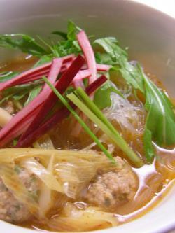 トムヤム春雨と肉団子スープ