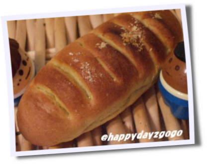 カレーソーセージパン