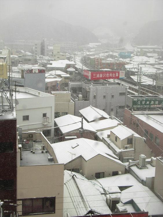 080203雪と紅梅@天神社1