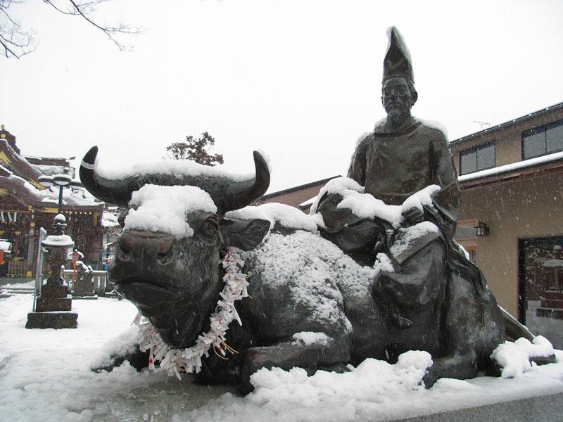 080203雪と紅梅@天神社2
