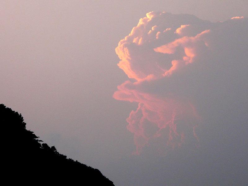 080704不思議な夕雲