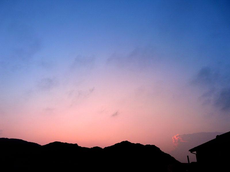 080704不思議な夕雲2