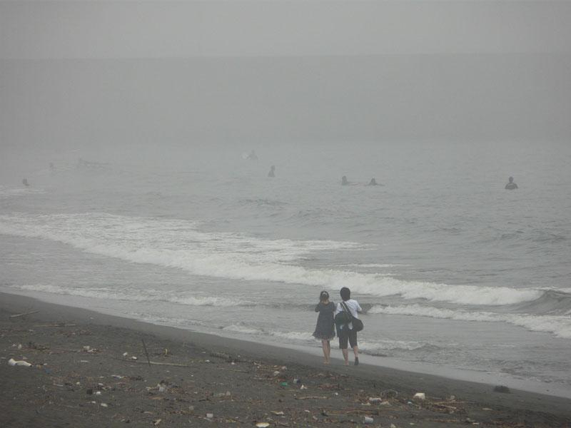 080713霧の平塚海岸4