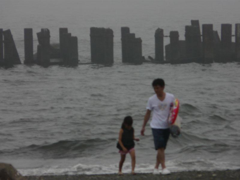 080713霧の平塚海岸6