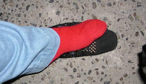 気合いを入れて赤の靴下を履いて・・・