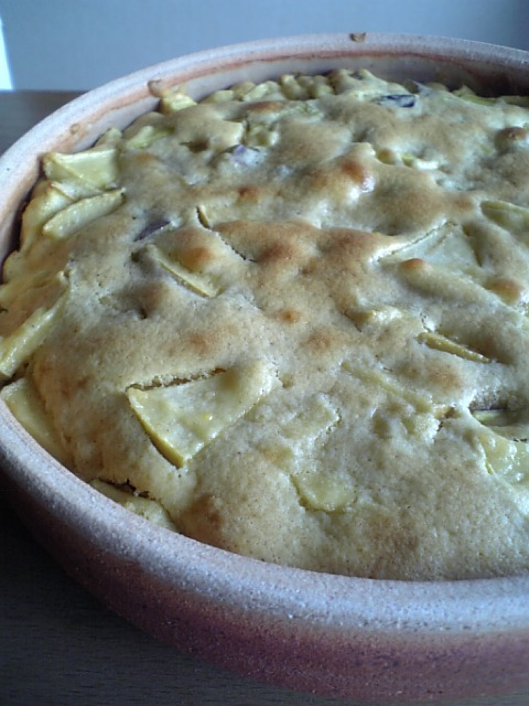 さつまいもとりんごのケーキ