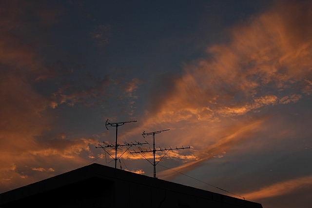 一面のあかね雲