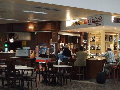 ミラノ・マルペンサ空港内カフェ
