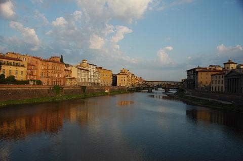 川面に写る街並み尚綺麗