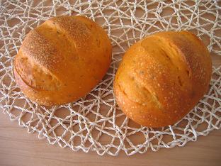 トマトとハーブのパン