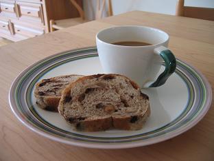 へーゼルナッツとチョコのライ麦パン