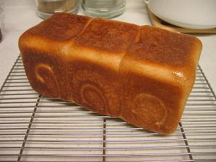 全粒粉入り食パン