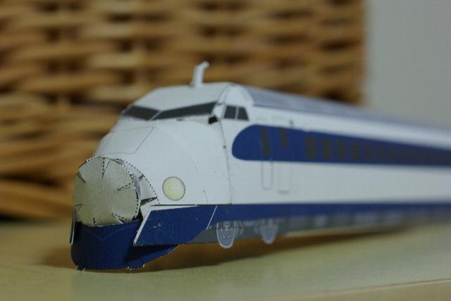 ペーパークラフトの0系新幹線