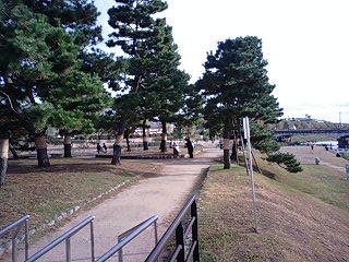 鴨川公園1