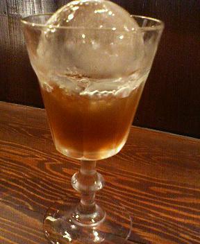 ブラッドバーカラカラ瑞泉の黒糖梅酒