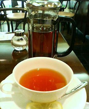 カフェ・ルトゥールでモーニング