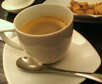 中華街パルファンでお茶