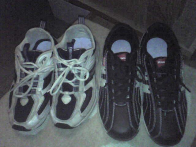 靴(左・古 右・新)