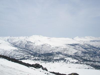 大雪の山々