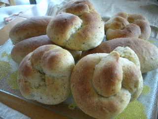 AKO紅茶と自家製レモンピールのパン