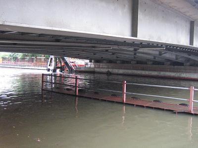 センセープ運河の船乗り場20061010-08:30頃