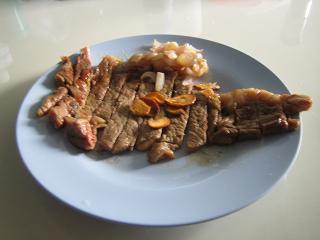ステーキ約130グラム