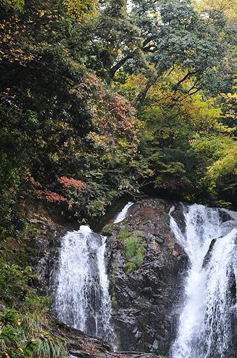 滾る八重滝