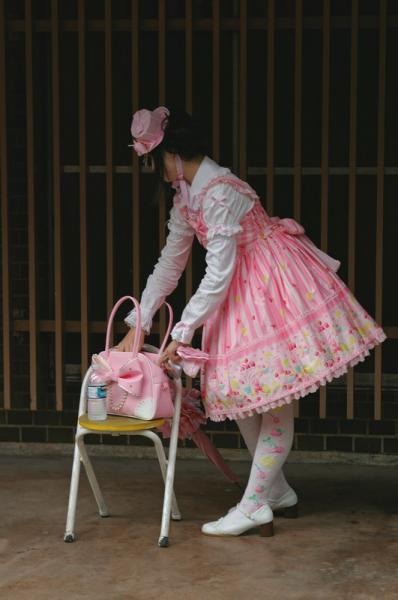 01-pinkdress