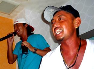 karaoke08083105.jpg