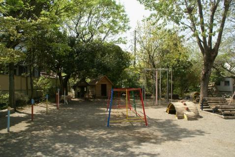 DSC07017園庭2