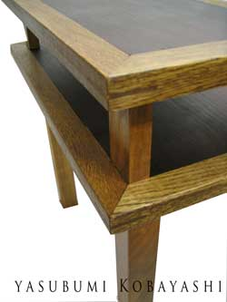 ベットサイドテーブル