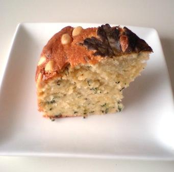 ハーブと松の実のバターケーキ
