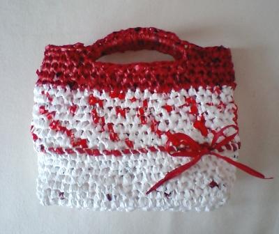 プラバッグ裂き編みの小さいカゴバッグ