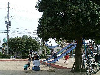 イズミヤ公園