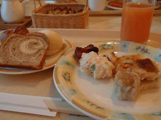 ホテルの朝食バイキング