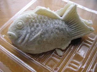 おみやげの白い鯛焼き