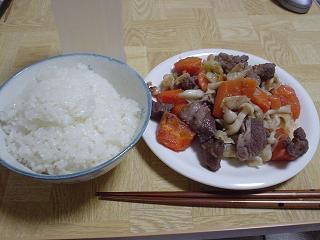新米ご飯とシシ肉入り野菜炒め