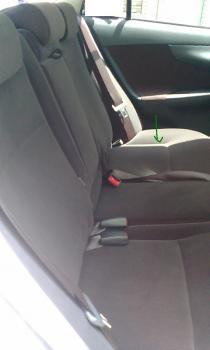 後部座席のシート