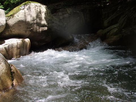 パドルオ~レの滝