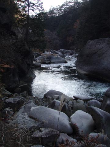 仙娥滝(せんがたき)下流